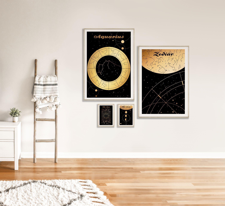 obrazy do salonu Wodnik Aquarius znak zodiaku plakat grafika Moon Księżyc słońce Sun Mapa nieba Universe plakaty na ścianę